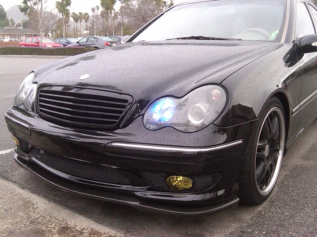 C class w203 matte black grille 01 07 merc wheels shop for Matte mercedes benz